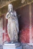Staty av Eumachia i Pompeii, Italien Arkivbilder
