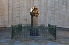 Staty av fältprästen Pio Royaltyfri Bild