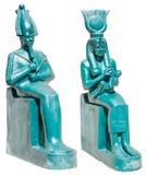 Staty av forntida Egypten gudar Osiris och Isis med den Horus isolaen Royaltyfri Bild