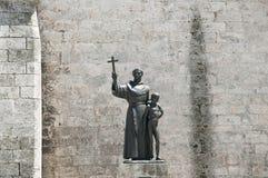 Staty av frans Junipero Serra - havannacigarr - Kuba Fotografering för Bildbyråer