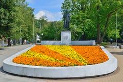 Staty av Friedrich Schiller Kaliningrad fotografering för bildbyråer