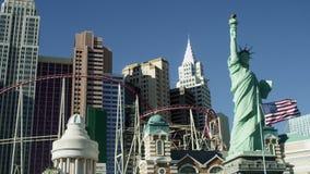 Staty av frihet, byggnad, berg-och dalbana Manhattan USA lager videofilmer