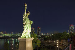Staty av frihet i vår på Odaiba Tokyo, Japan Royaltyfri Bild
