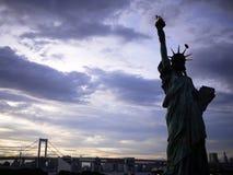 Staty av frihet på Odaiba, Tokyo Royaltyfri Bild