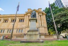 Staty av generallöjtnanten Sir Richard Bourke, K C B resas upp av folket av New South Wales Royaltyfri Bild