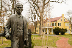 Staty av George Catlett Marshall, Jr - Marshall House, Leesburg, Virginia, USA Arkivfoto