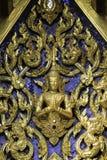 Staty av guden i tempelBuddha royaltyfria bilder
