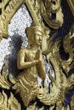 Staty av guden i tempelBuddha arkivbilder