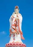 Staty av gudinnan Guanyin Arkivfoton