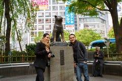 Staty av Hachiko - Shinjuku, Tokyo, Japan Arkivfoto