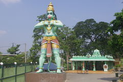Staty av Hanuman på Batu grottor Royaltyfri Foto