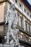 Staty av Hercules och Cacus Arkivfoton