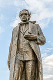 Staty av Ibrahim Rugova i Pristina arkivbilder