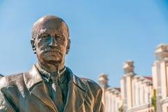 Staty av Igor Sikorsky Arkivbild
