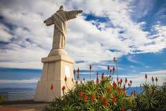 Staty av Jesus Christ på Garajau i Funchal med den fantastiska areal sikten, madeira Fotografering för Bildbyråer
