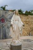 Staty av jungfruliga Mary, kyrka av förklaringen i Nazareth Royaltyfri Bild