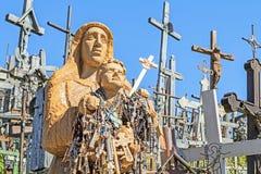 Staty av jungfruliga Mary med barnet Royaltyfri Fotografi