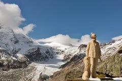 Staty av Kaiser Franz Josef I på den Grossglockner glaciären, Österrike arkivfoton