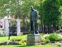 Staty av kejsaren Franz Joseph i Burggarten av Wien Arkivbild