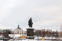 Staty av Konung Gustav och vinter Skeppsholmen av Stockholm Arkivbilder