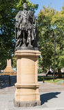 Staty av konungen Edward VII på sockel i Hobart, Australien Arkivfoton