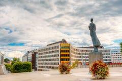 Staty av konungen Haakon VII i Oslo, Norge Royaltyfri Fotografi