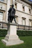 Staty av konungen James II av England Staty av konungen James VII av Skottland, National Gallery i Trafalgar Square, London, Engl arkivfoton