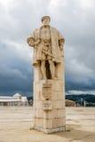 Staty av konungen Joao III på universitetborggården i Coimbra Portugal Royaltyfri Bild