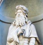 Staty av Leonardo da Vinci, Florence royaltyfri bild