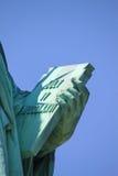 Staty av Liberty Book Arkivbilder
