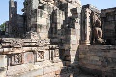 Staty av Lord Buddha i stupa på Sanchi, Indien Arkivbilder