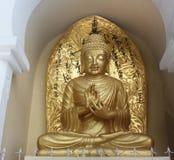 Staty av Lord Buddha på den japanska fredpagoden, Darjeeling, Indien Royaltyfria Bilder