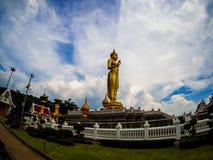 Staty av Lord Buddha på Khao Kho Hong Mountain Royaltyfri Foto