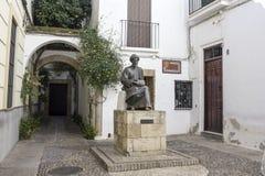Staty av Maimonides i Cordoba Royaltyfri Bild