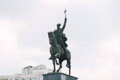 Staty av Michael indiankrigaren Arkivfoton