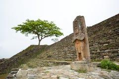 Staty av navelsvinet för linjalJaguar fågel i Tonina Chiapas Mexico Fotografering för Bildbyråer
