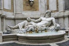 Staty av Neptun på springbrunnen, Rome, Italien Royaltyfria Bilder