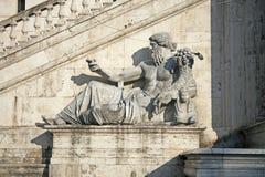 Staty av Nile God, Piazza del Campidoglio, Rome, Italien Fotografering för Bildbyråer