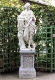Staty av nymfen av sommarträdgården, St Petersburg Royaltyfri Foto