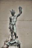 Staty av perseusen med huvudet i hand. Florence. Italien. Arkivfoto