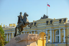 Staty av Peter det stort i St Petersburg Arkivbild