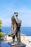 Staty av prinsen Albert 1st i helgonet Martin Park i Monte - carlo Royaltyfria Foton