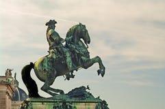 Staty av prinsen Eugene av savojkål i Wien, Österrike Arkivfoton