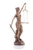 Staty av rättvisa som isoleras på den vita bakgrunden arkivfoton