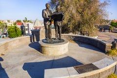 Staty av Robert Paxton McCulloch i Lake Havasu Royaltyfri Foto