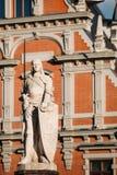 Staty av Roland At The Town Hall i Riga, Lettland berömd landmark arkivbilder