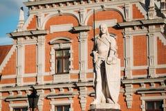 Staty av Roland At The Town Hall i Riga, Lettland berömd landmark royaltyfri fotografi