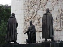 Staty av Simon Bolivar och andra hjältar av självständighet, självständighetmonument, Los Proceres, Caracas, Venezuela royaltyfria foton