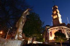 Staty av Sir Dove-Myer Robinson i den Aotea fyrkanten i Auckland NZL Arkivfoto