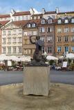 Staty av sjöjungfrun i Warszawa Royaltyfri Foto